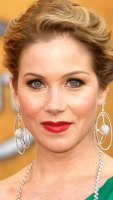 1250801242_christina_applegate_290x402