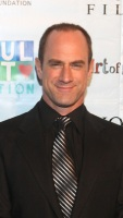 1250801388_chris_meloni_290x402