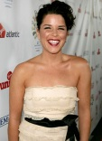1251218947_neve_campbell_290x402