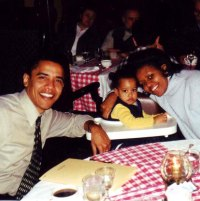 1261171174_01-obama-family-lg