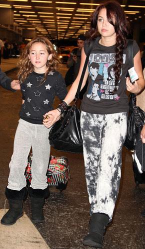 Enthairfachionce Blog: Whoaaaa!!!! Miley Cyruss Little