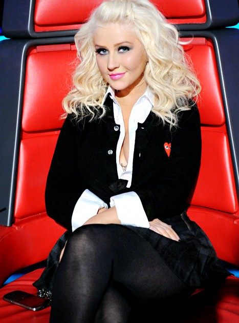 Christina Aguilera Dresses As Quot Naughty Schoolgirl Quot On The