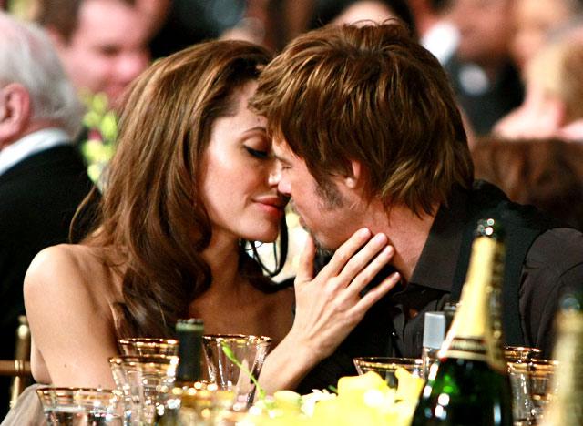 1334354180_angelina-jolie-brad-pitt-kissing-lg