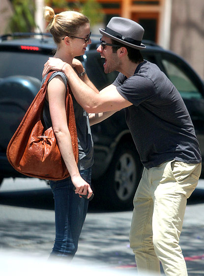 Emily thorne is dating who