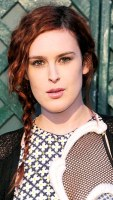 1351182282_rumer-willis-290