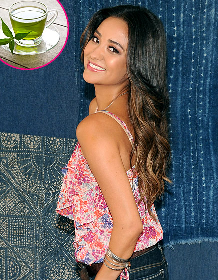 """What Shay Mitchell Tells Us: """"To get rid of swelling...I put green tea bags on my eyelids. Or I grab cold spoons that I leave in the freezer and put them on my eyes."""" What the Expert Says: """"Green tea contains anti-inflammatory caffeine,"""" explains Dallas-based facialist, Renee Rouleau."""