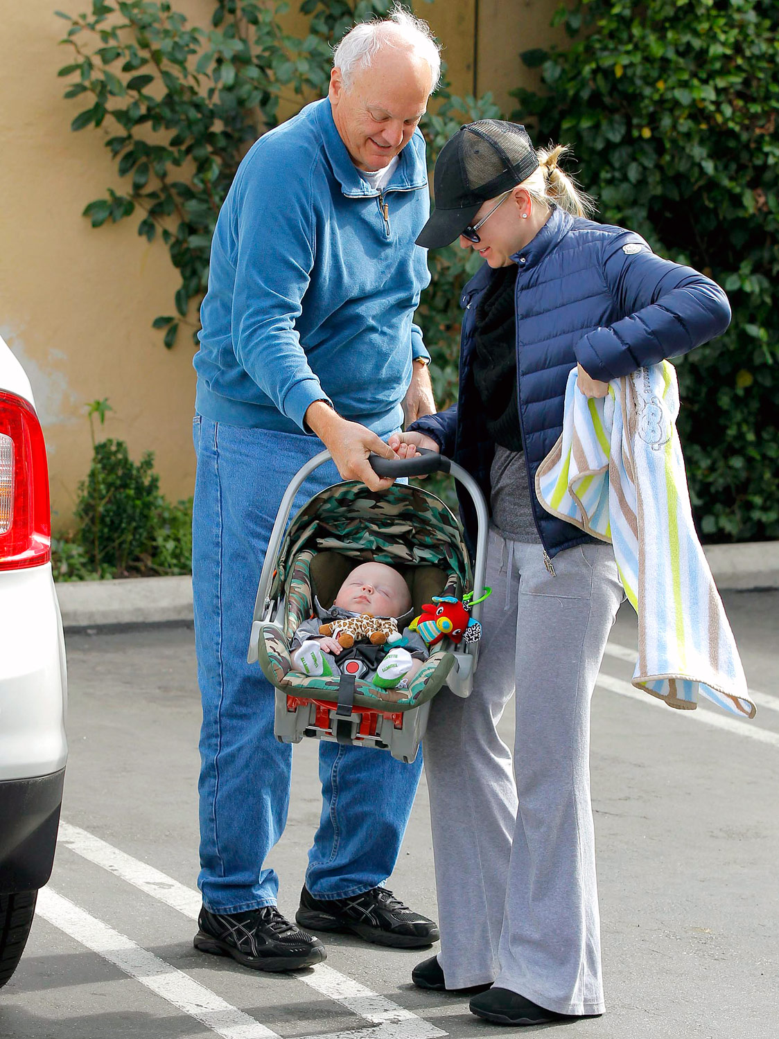 Anna Faris Shows Off Son Jack, 5 Months, to His Grandpa of