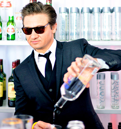 Jeremy Renner Pours Drinks For Friends At Independent