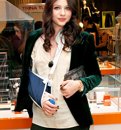 Rose McGowan and Extra Celebrities Who've Suffered Accidents