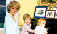 1373970984_79732254_princess-diana-prince-william-prince-harry-300