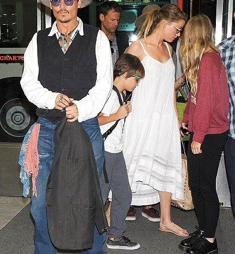 Johnny Depp, Amber Heard Take His Kids Lily-Rose, Jack to ...
