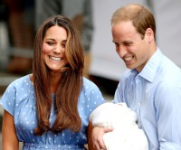 1374608112_kate-middleton-prince-william-baby-5-zoom