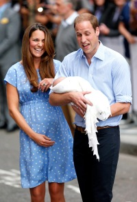 1374608335_kate-middleton-prince-william-baby-1-zoom