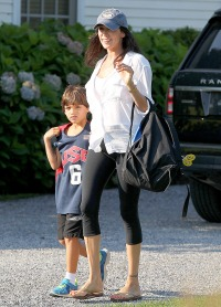 Lauren Silverman, pregnant with Simon Cowell's baby, in the Hamptons