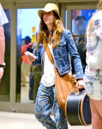 A makeup-free Kate Walsh in Los Angeles on August 5, 2013.