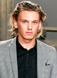 1375923197_130975004_jamie-campbell-bower-402