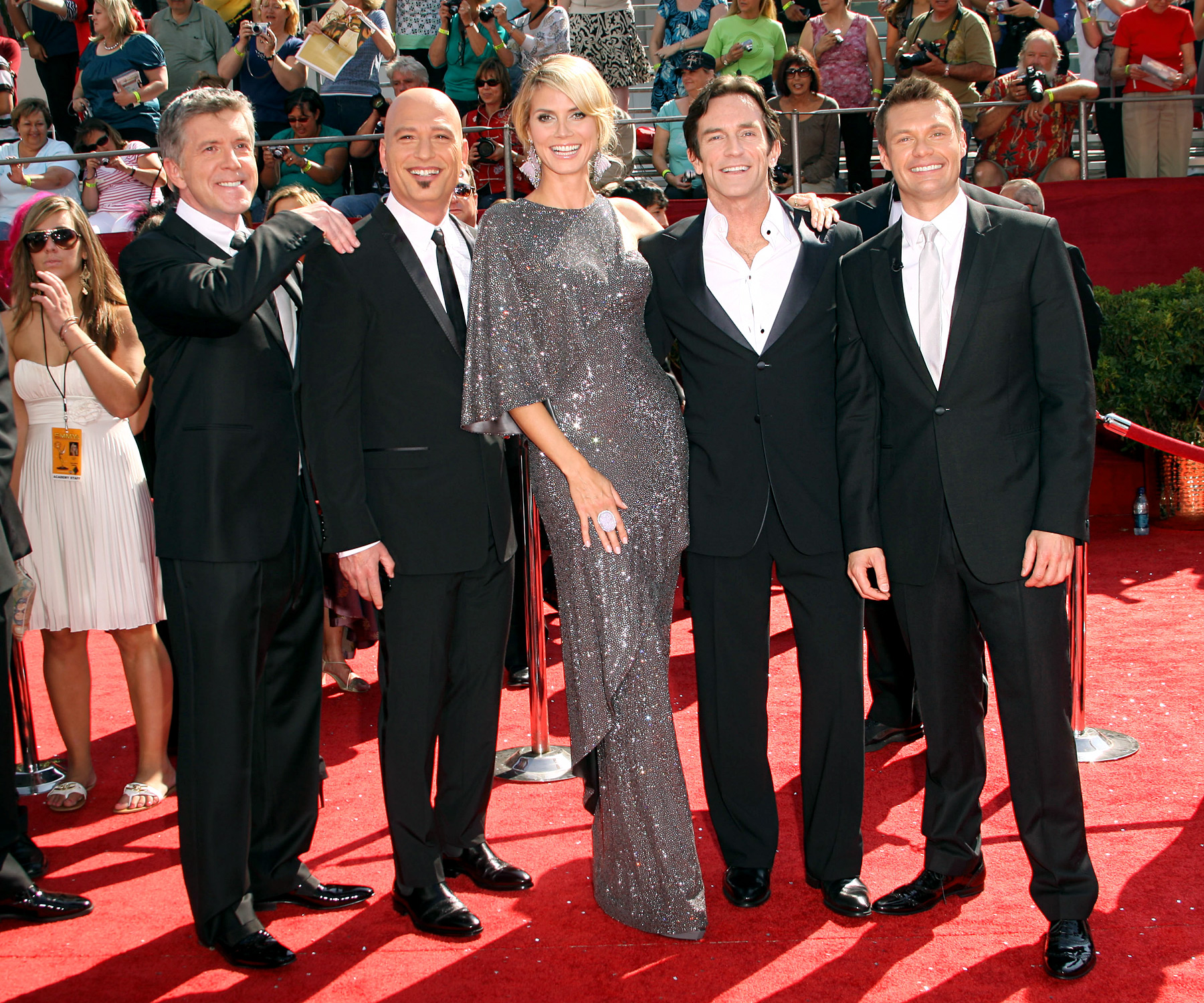 The nominees for Best Reality Show Host emceed the telecast to celebrate the category's introduction in 2008. Participating in a series of awkward off-the-cuff skits, the group teamed up one year after Seacrest hosted the show solo, to similarly dismal ratings.