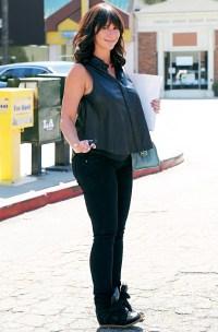 Jennifer Love Hewitt showed off her growing baby bump