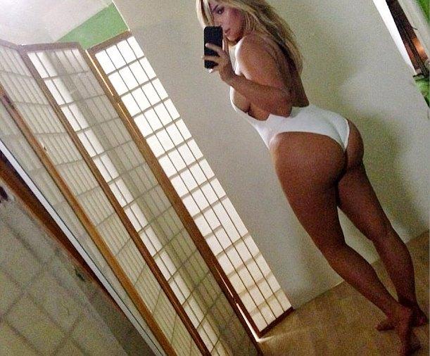 Kim Kardashian Reveals Hot Post-Baby Swimsuit Body in Instagram Pic