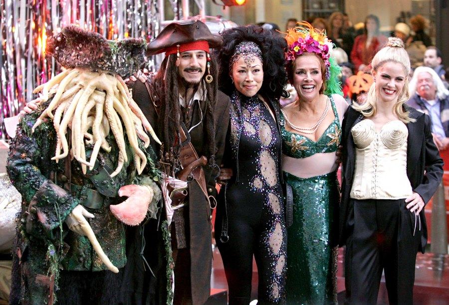 1382465360_today-show-halloween-2006-zoom