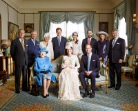 1382649336_prince-george-family-zoom