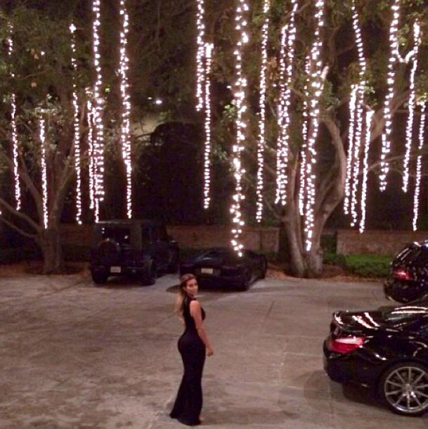 Kim Kardashian Flaunts Booty, Four Cars in New Instagram Shot