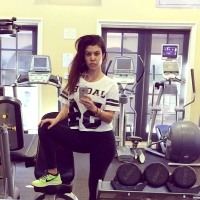 Kourtney Kardashian without makeup at the gym in a selfie on instagram