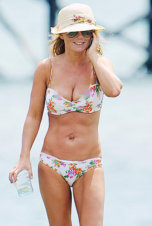 Peep shots of women in bikini slides off