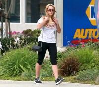 Amanda Bynes walks to the gym on Jan. 24, 2014