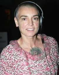 1392410384_sinead-o-connor-zoom