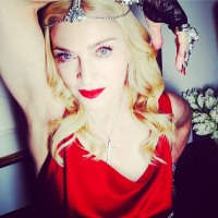 Madonna wears 1000 carats of Neil Lane diamonds