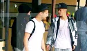 Lie Witness News - Bieber Fans - Pranks Video   eBaums World