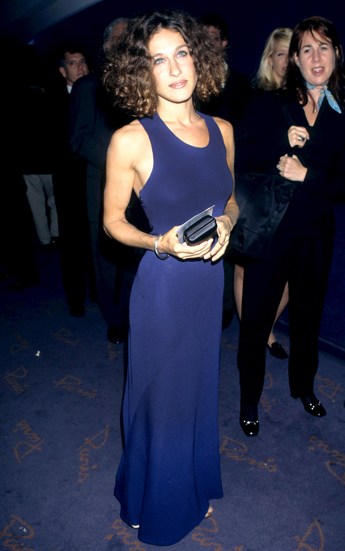 Though she went braless in a blueberry-colored gown to the The First Wives Club premiere on Sept. 18, 1996, it was Parker's deep brown locks that turned heads. After years as a curly blonde, the future HBO superstar proved she could also be a brunette.