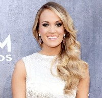 Carrie Underwood wore a smoky eye at the 2014 ACMs