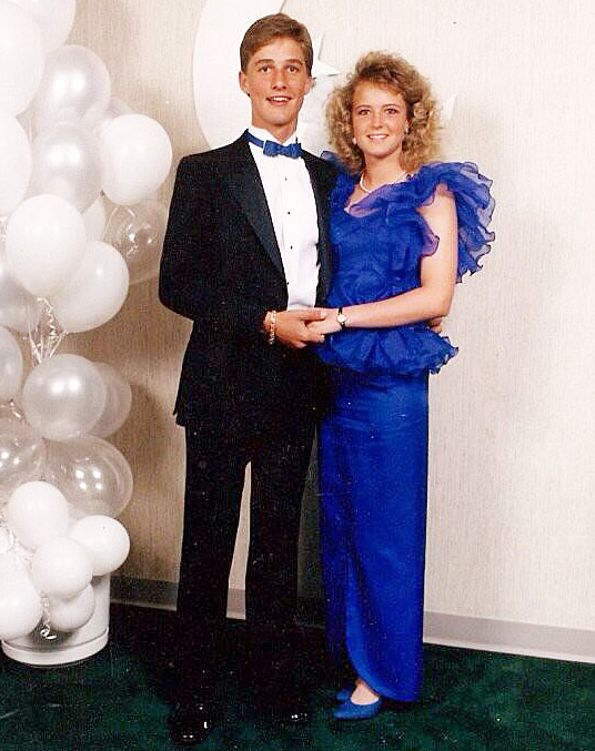 Alright, alright alright! After the Texas native won the Best Actor Oscar for Dallas Buyers Club in 2014, the niece of his prom date tweeted their portrait from the Longview High School bash in 1988 in Longview, TX.