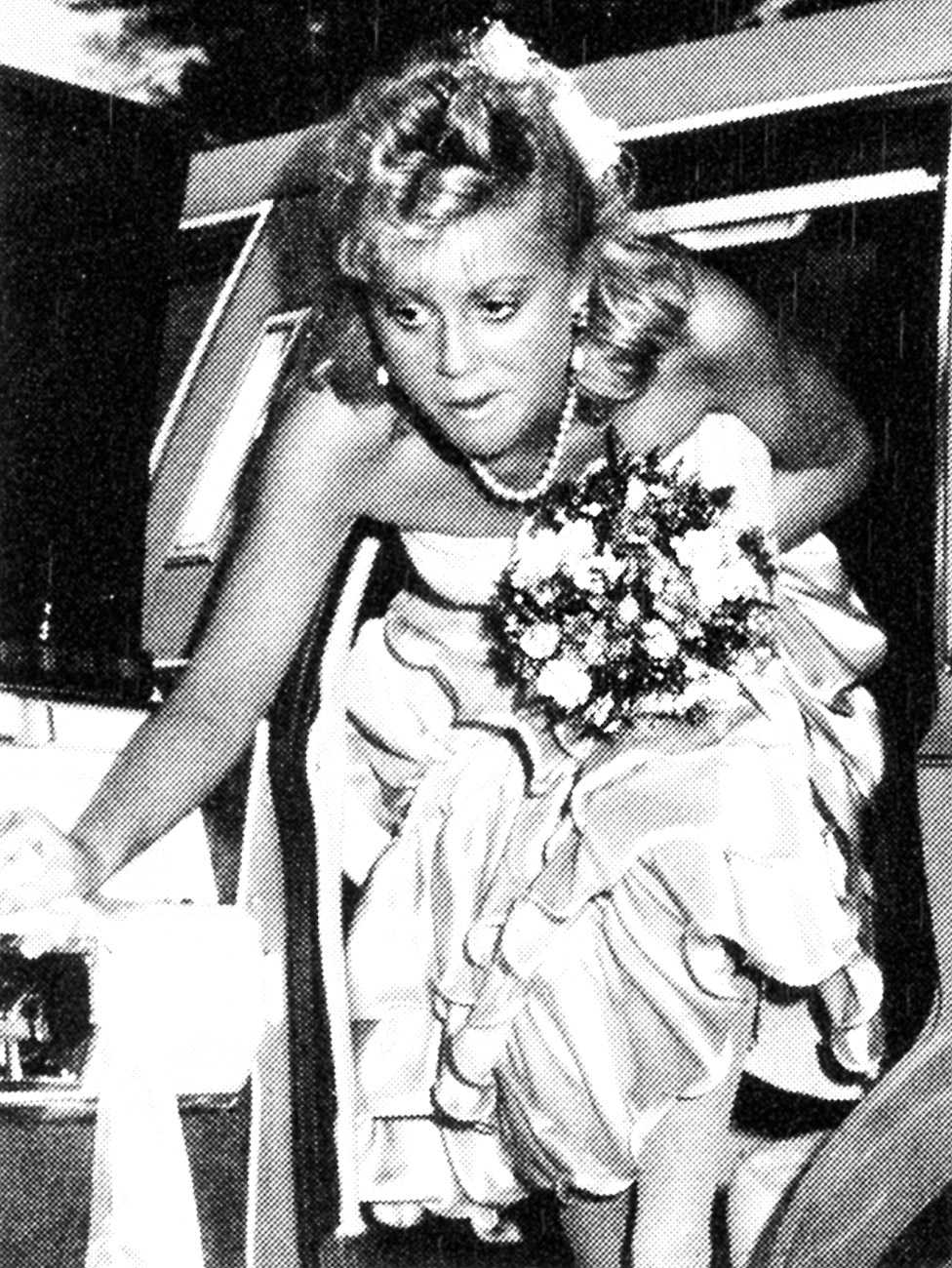 She's known for her sense of humor, but Amy Poehler is indifferent in this candid photo pulling up to the Burlington High School prom in MA in 1989.