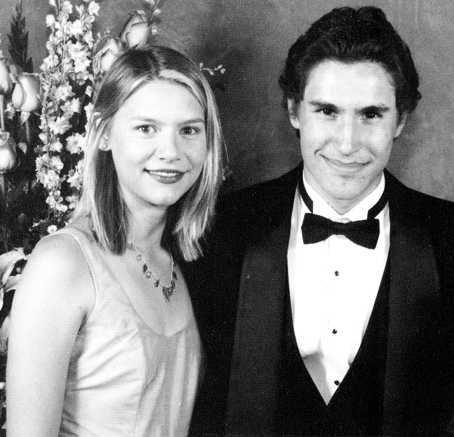 Although she mastered teen angst for My So-Called Life, the actress was all smiles in 1997 at her real-life high school prom in Los Angeles.