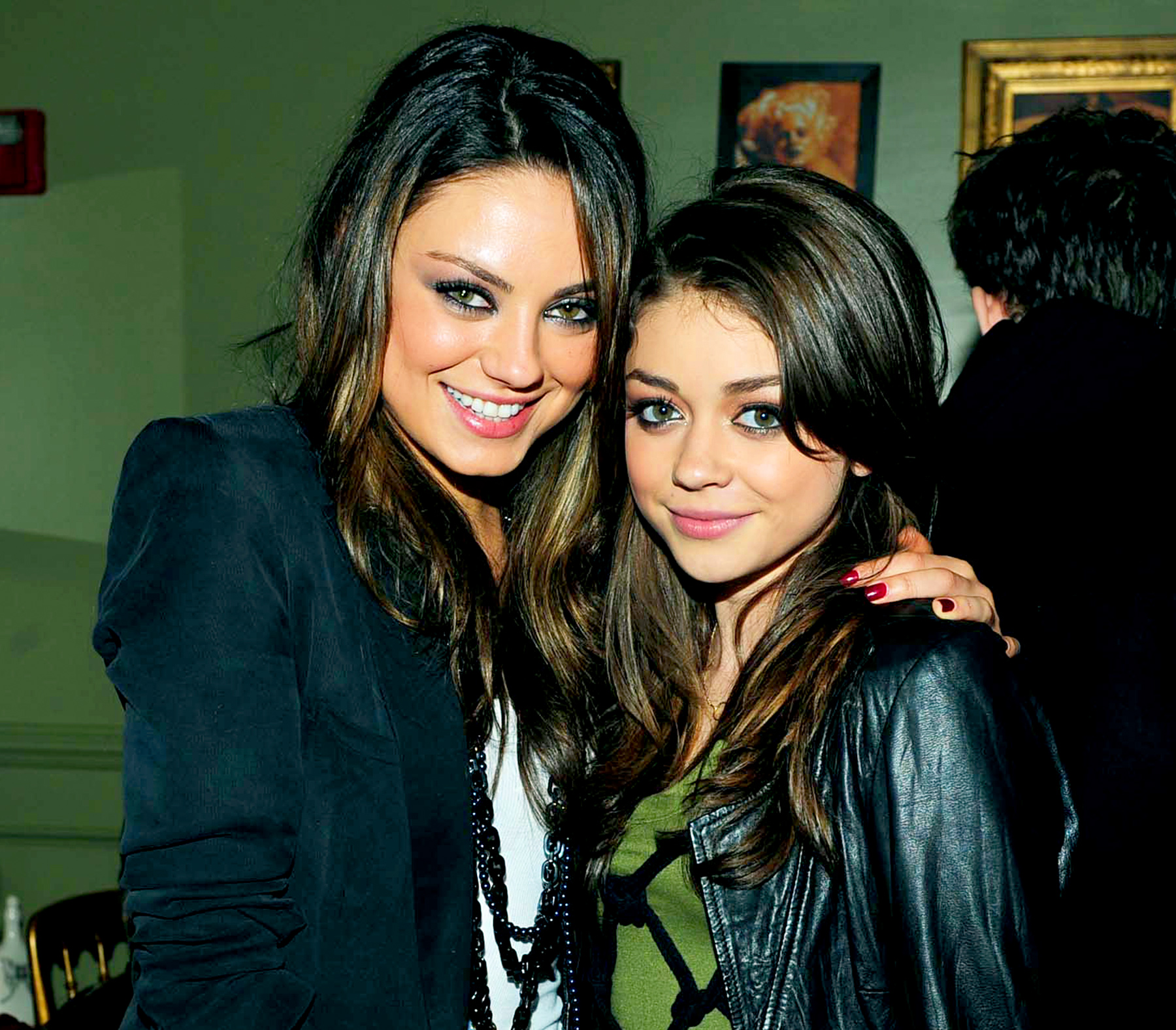 Image result for Sarah Hyland and Mila Kunis