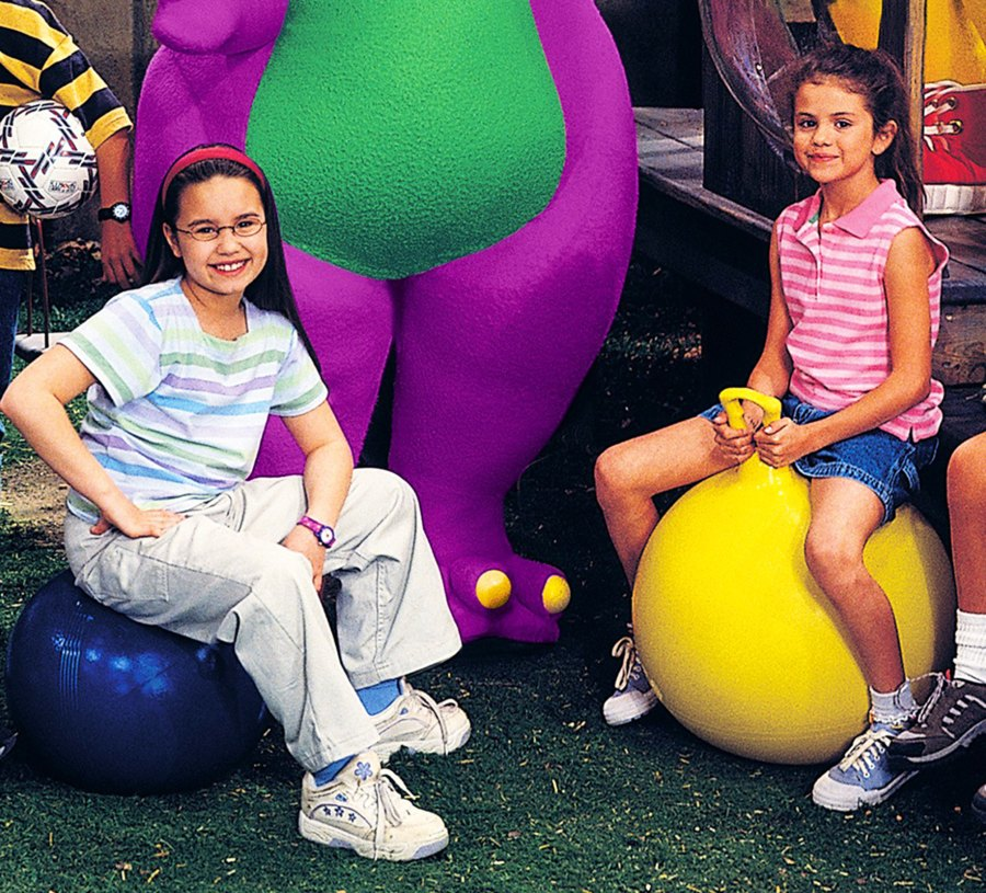 1405381837_childhood-demi-lovato-selena-gomez-zoom