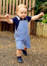 1406032084_prince-george-walks-zoom
