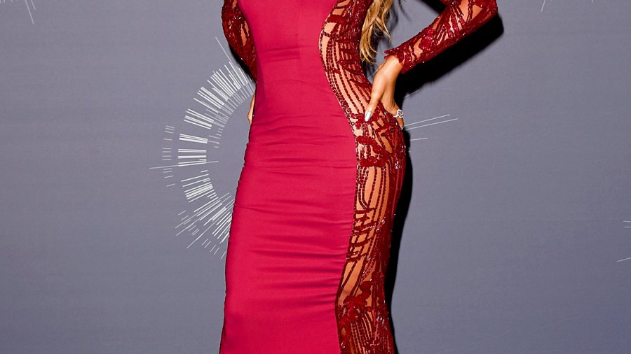 Beyonce poses in the press room during the 2014 MTV Video Music Awards