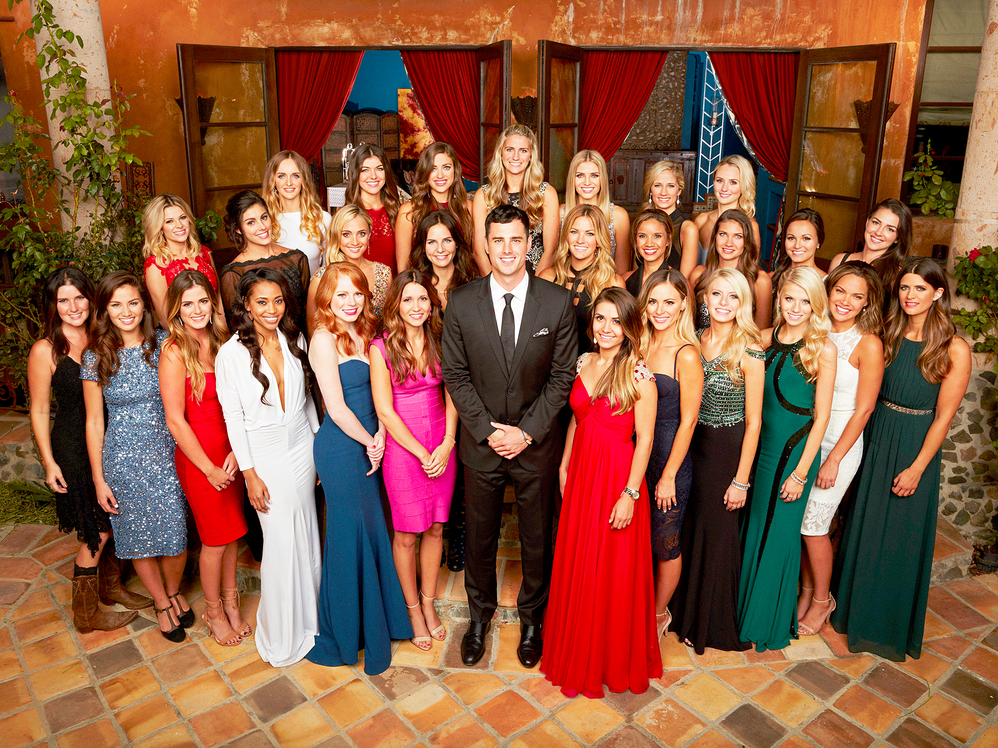Ben Higgins and 'The Bachelor' cast.