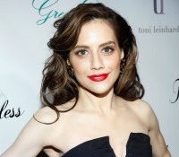 1412707343_gone-too-soon-brittany-murphy-zoom
