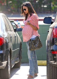 Zoe Salanda going to lunch on Oct. 28, 2014.