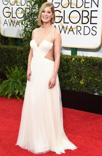 Rosamund Pike at the 2015 Golden Globes