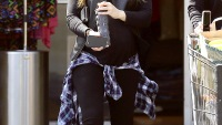 Pregnant Jessica Biel goes shopping at Whole Foods on March 21, 2015.