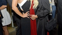 Jessica Simpson and pregnant Ashlee Simpson on April 23, 2015.