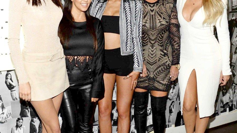 Kendall Jenner, Kourtney Kardashian, Kylie, Kris and Khloe Kardashian.