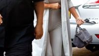 Kim Kardashian arrives at her apartment in NYC on May 30, 2015.