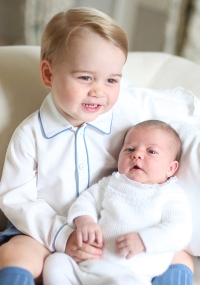 1433774999_prince-george-princess-charlotte-zoom-03